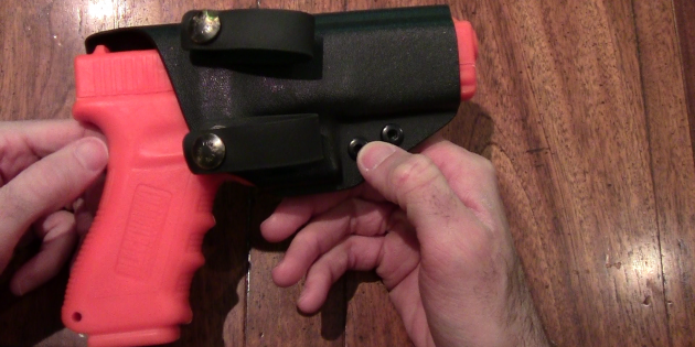 Firearms Tips and Techniques for Beginners: Holsters