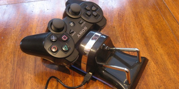 eForcity Dual Playstation 3 Controller Charging Station Review